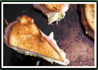 Grilled Mozzarella Sandwiches With Pesto and Artichokes
